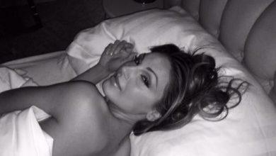 Photo of Scatta il selfie sexy, le vip si mostrano a letto senza veli